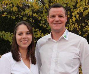 """Die beiden Bezirksvorsitzenden Chiara Hartmann und Stefan """"Wolli"""" Walther"""