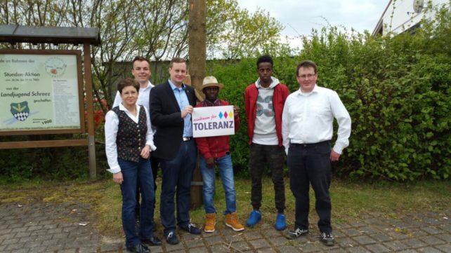 Maibaum für Toleranz. Unser Land ist tolerant. Landjugend und seine Maibaum für Toleranz-Aktionen