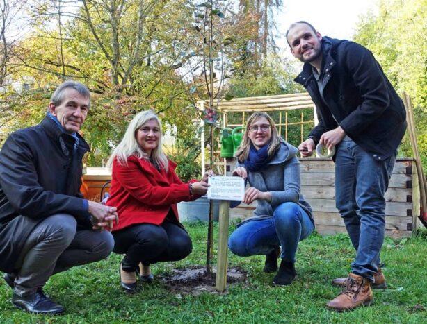 Grundgesetzbaum von MdL Melanie Huml für ein würdevolles Leben bis zum letzten Tag